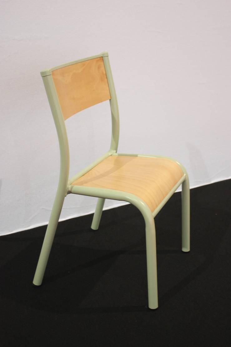 La chaise d'école 510 Originale pour les Enfants: Chambre d'enfants de style  par Label Edition