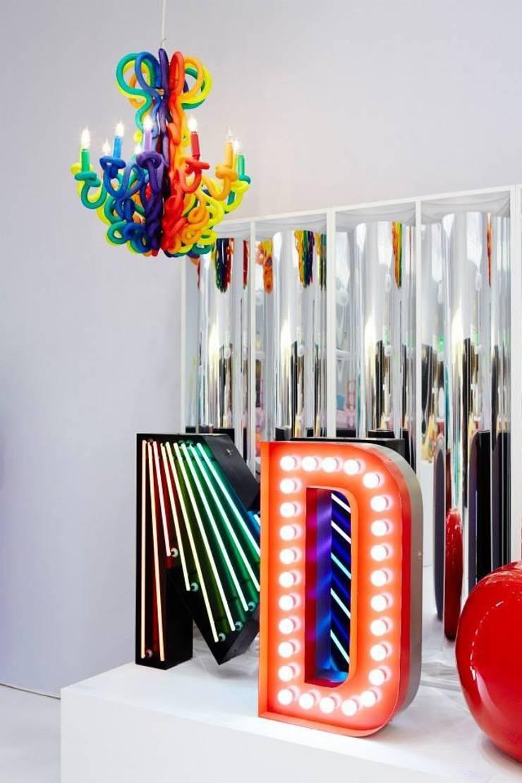 Lustre edusa: Chambre d'enfants de style  par Padedesign