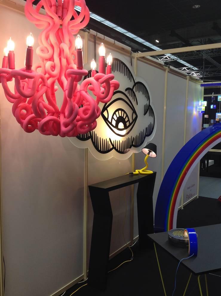 Lustre Medusa: Salon de style de style eclectique par Padedesign