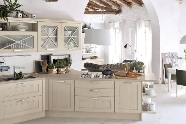 AGNESE 3 - CUCINELUBE: Cucina in stile  di Studio Ferriani