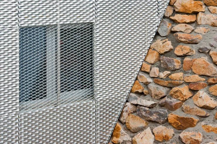 Projekty,  Ściany zaprojektowane przez Helwig Haus und Raum Planungs GmbH