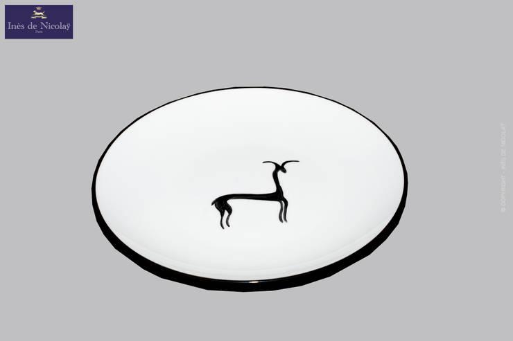 Gazelle: Salle à manger de style  par Inès de Nicolaÿ