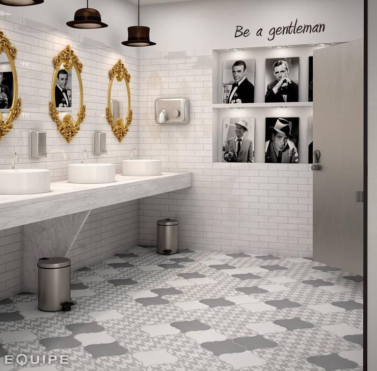 Baños de estilo moderno de homify