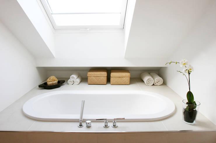 Bad Im Dachgeschoss Von Eva Lorey Innenarchitektur Homify