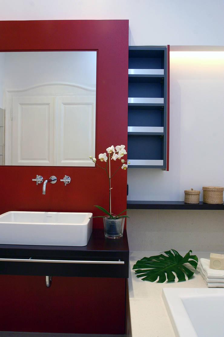 Bad III:  Badezimmer von eva lorey innenarchitektur,Modern