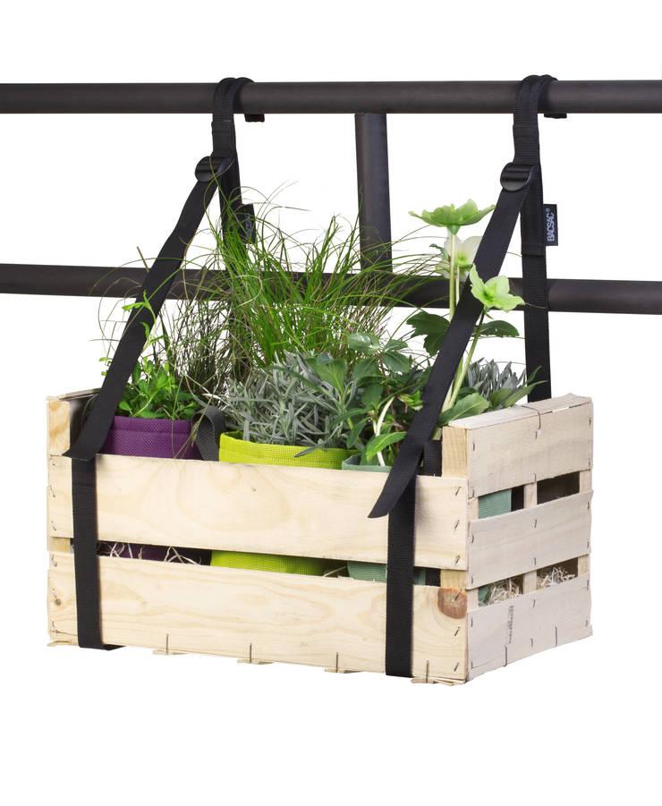 Bretelles de balcon: Balcon, Veranda & Terrasse de style  par BACSAC®