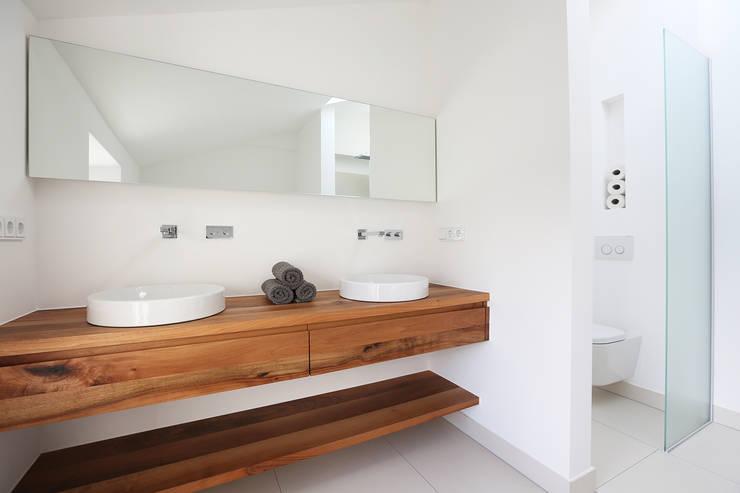 eva lorey innenarchitektur:  tarz Banyo