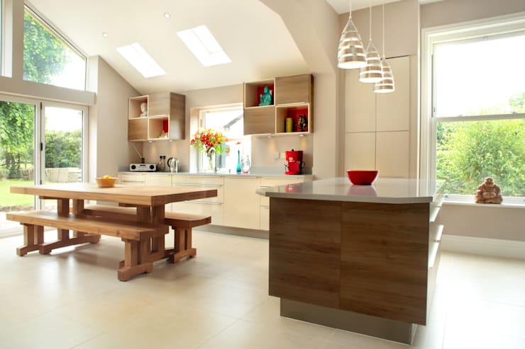 Contemporary Kitchen in 19th Century Home:  Kitchen by in-toto Kitchens Design Studio Marlow