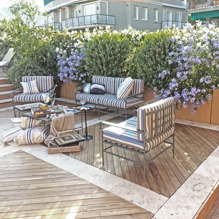 Villa B: Giardino in stile  di Studio S.O.A.P.