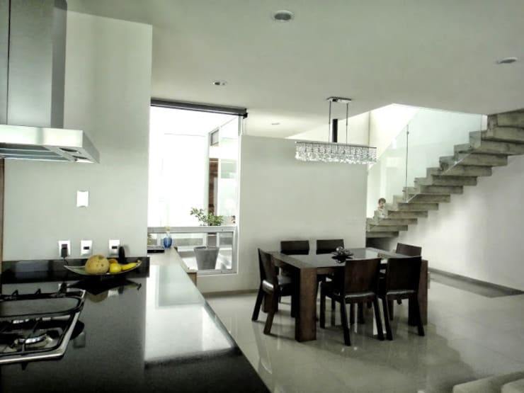 Dining room by Abraham Cota Paredes Arquitecto