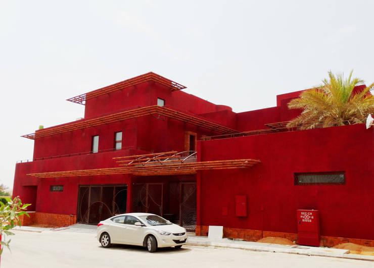 Riyadh House Rumah Modern Oleh arqflores / architect Modern