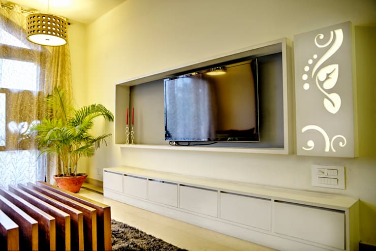 Living Room: minimalistic Houses by Studio An-V-Thot Architects Pvt. Ltd.