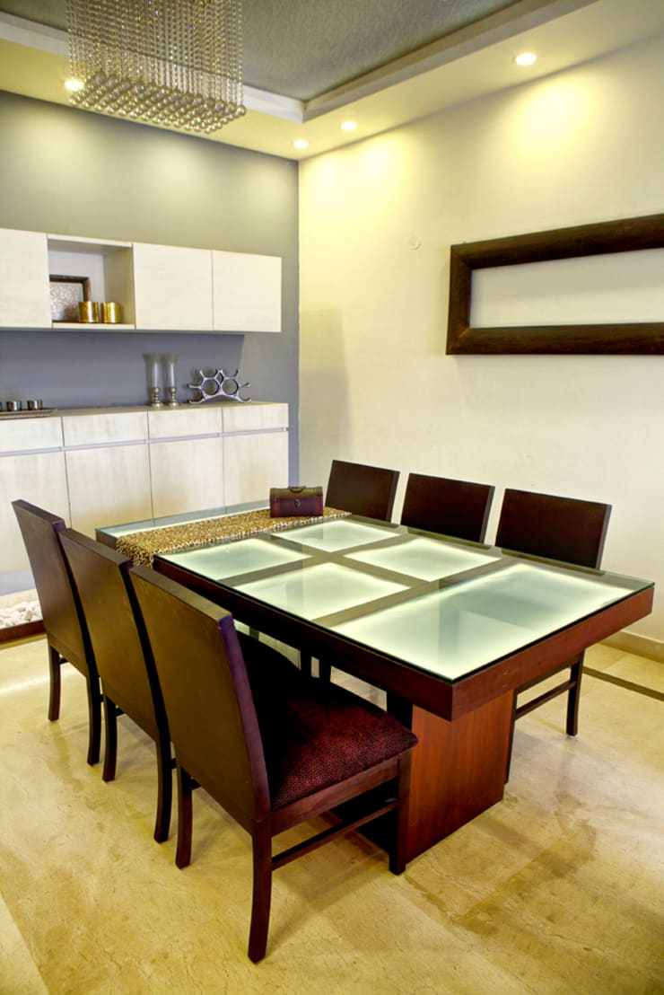 Dining:  Houses by Studio An-V-Thot Architects Pvt. Ltd.