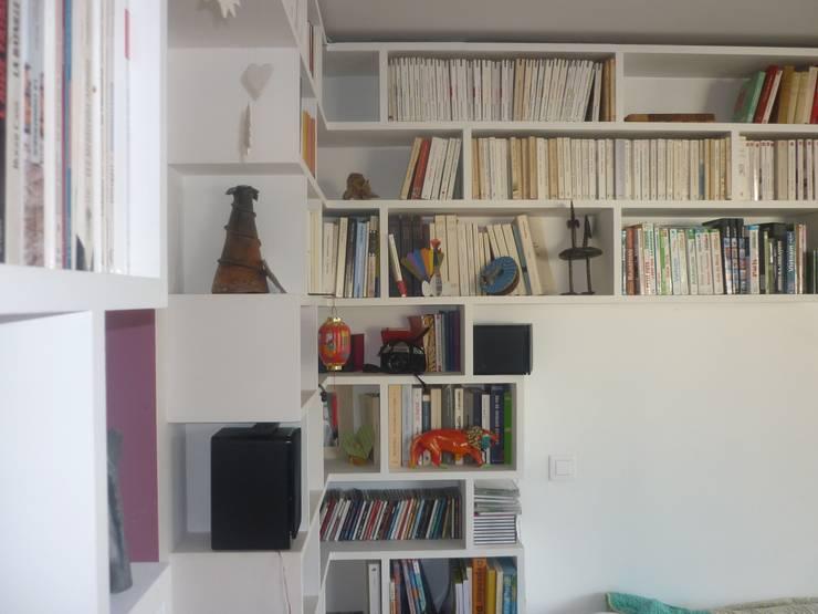 Bibliothèque H3: Salon de style  par Manon Clément