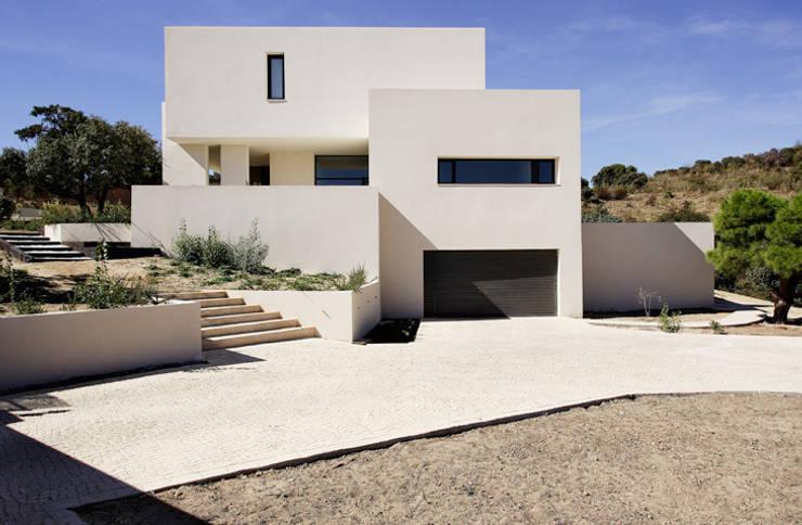 MOLINO DE LA HOZ: Casas de estilo  de Otto Medem Arquitectura S.L