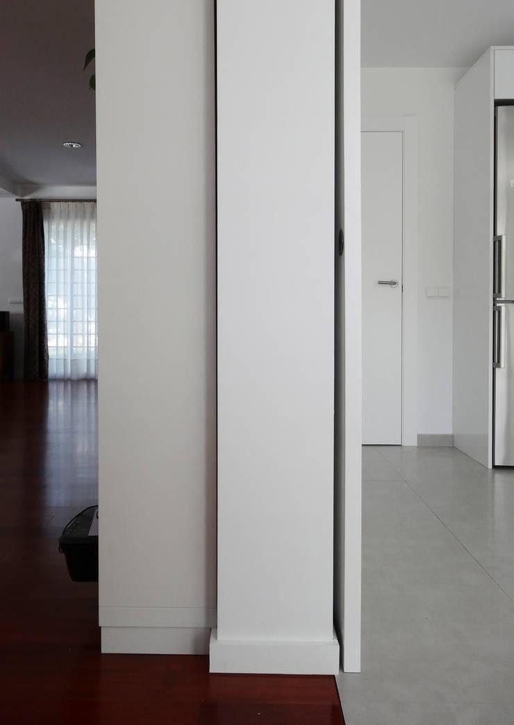 transformación: Salones de estilo  de hollegha arquitectos