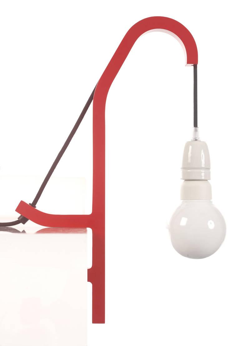 O10 lamp - Guillaume Delvign:  de style  par SPECIMEN Editions