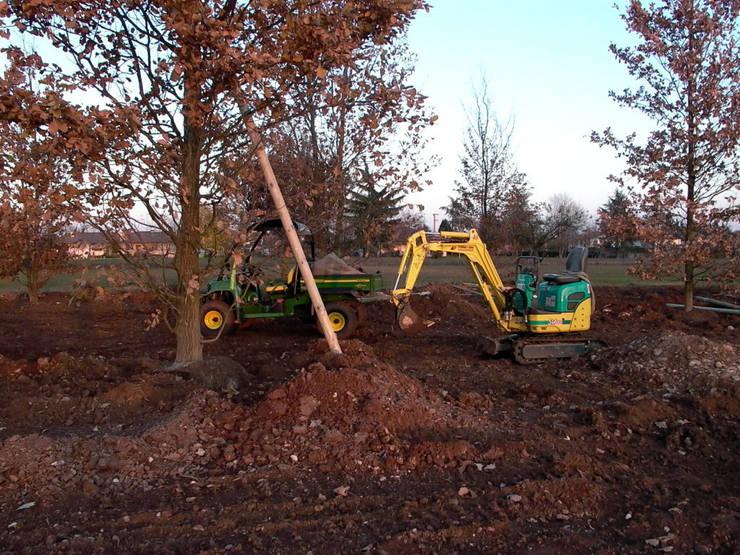 I nostri servizi: realizzazione giardini: Giardino in stile  di Dal Ben Giardini,