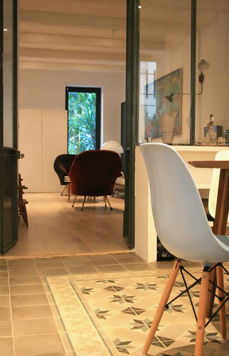 Aménagement maison :  de style  par Insides