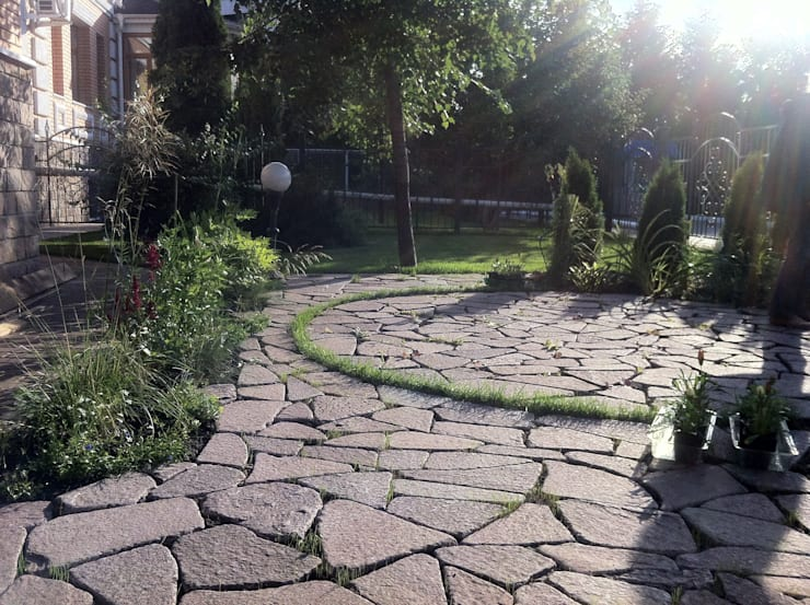 зона отдыха на соточке: Сады в . Автор – TOPOS