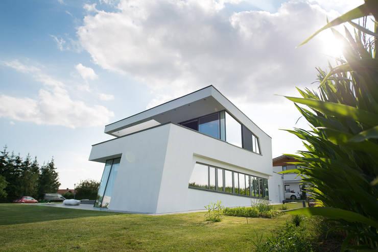 dynamische Architektursprache:  Häuser von FLOW.Architektur
