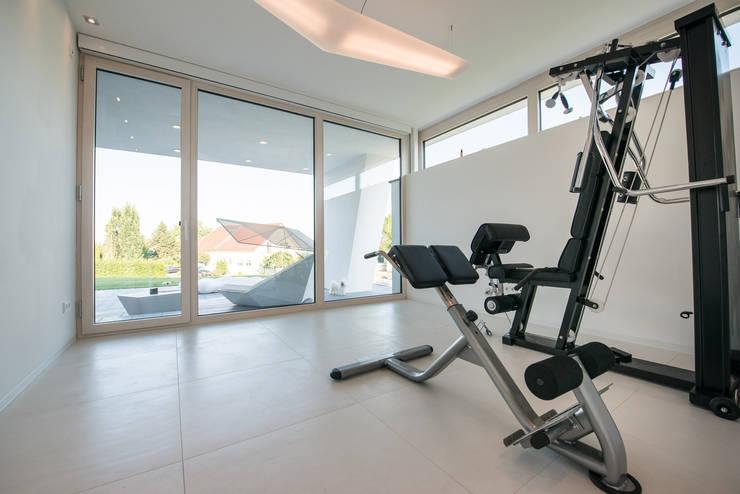 Fitnessraum:  Fitnessraum von FLOW.Architektur