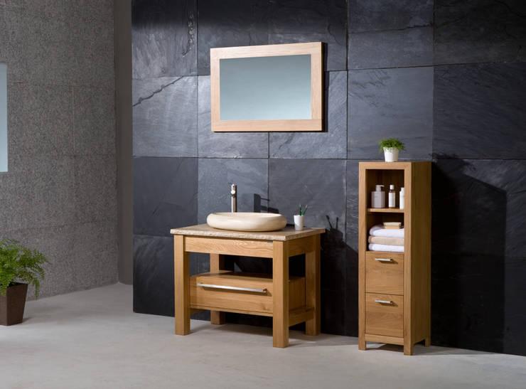 Stonearth - Prestige Medium, Travertine - Rough edge top , Pebble basin: minimalistic Bathroom by Stonearth Interiors Ltd