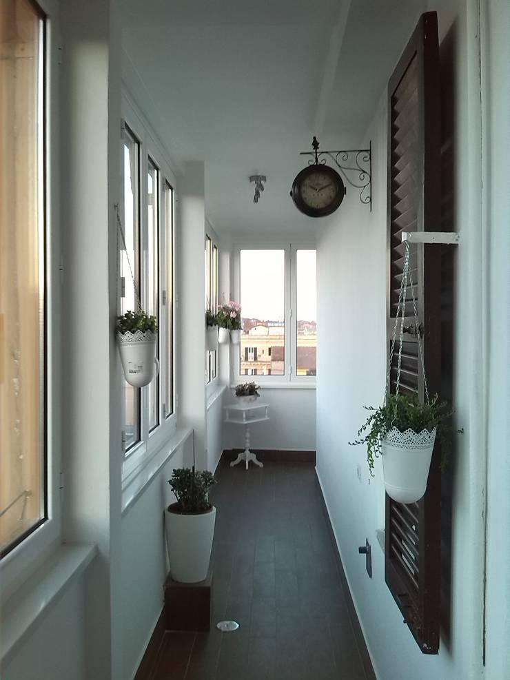 casa vacanza a Roma:  in stile  di Atelier Design