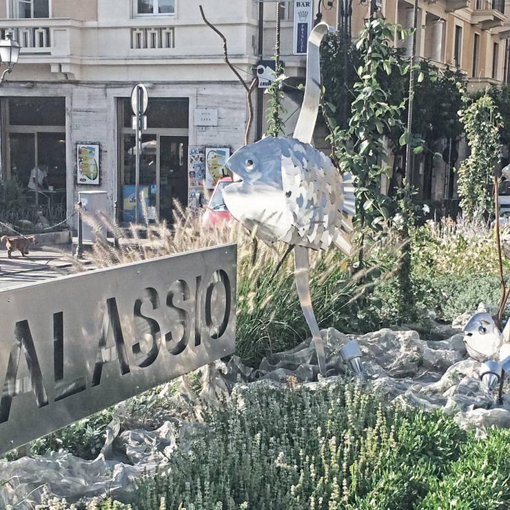 per la città e per tutti: Giardino in stile  di Studio S.O.A.P., Mediterraneo