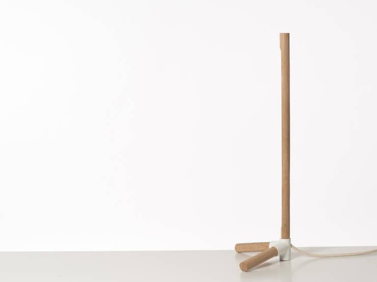 lampe Oya: Bureau de style  par Laurent Beurriand