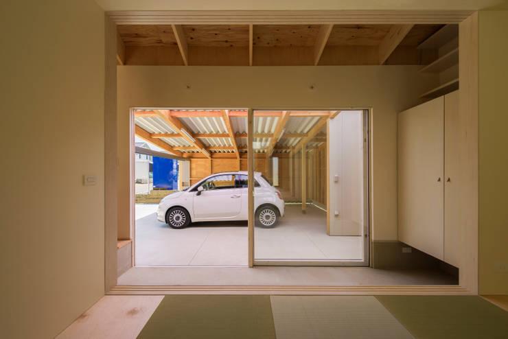 引土の家: Studio Antenaが手掛けたガレージ&小屋です。