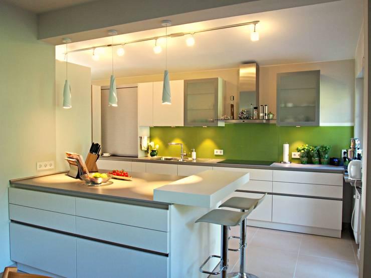 Küche für Kochliebhaber in Königstein: modern  von Einrichtungsideen,Modern