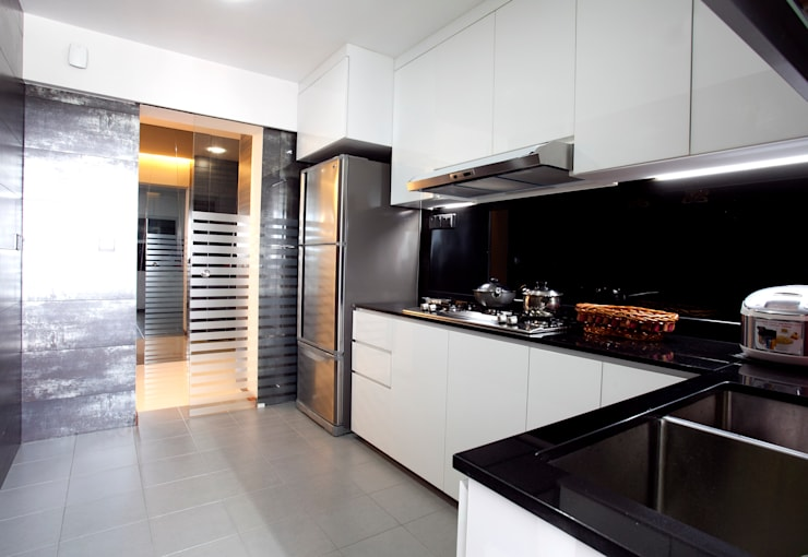 BTO Bukit Panjang:  Kitchen by VOILÀ Pte Ltd