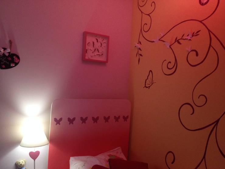 Chambre Butterfly: Chambre d'enfant de style de style Moderne par Adriana Art Déco