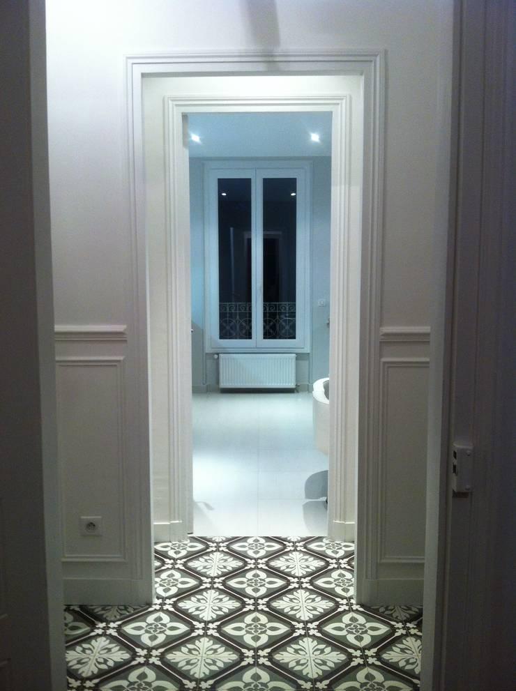 Villa A&K:  de style  par CB Architecture & Design