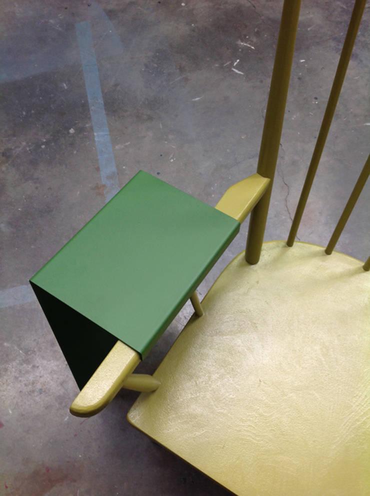 Tablette fauteuil: Maison de style  par mademoiselle fabrique