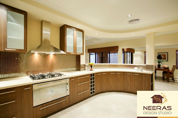 Neeras Kitchen:  Kitchen by Neeras Design Studio