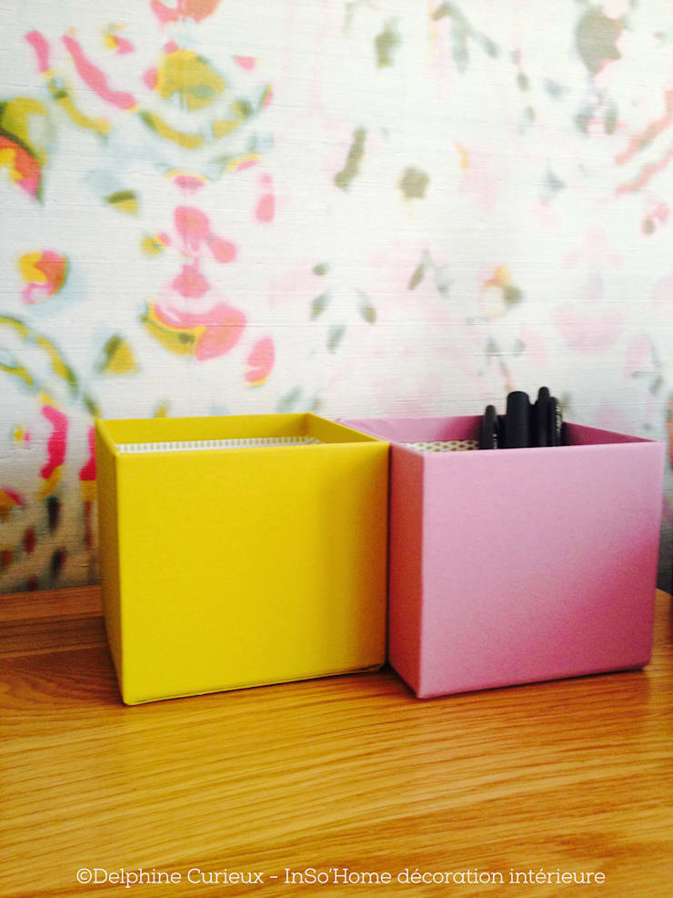 POTS à crayons et papier peint: Bureau de style  par INSO'HOME Décoration Intérieure