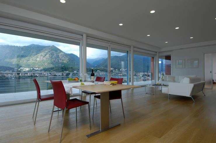Villa sul Lago d'Orta: Case in stile in stile Moderno di Fabrizio Bianchetti Architetto
