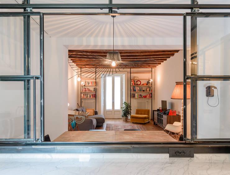 CESCOLINA SUI NAVIGLI: Cucina in stile  di NOMADE ARCHITETTURA E INTERIOR DESIGN