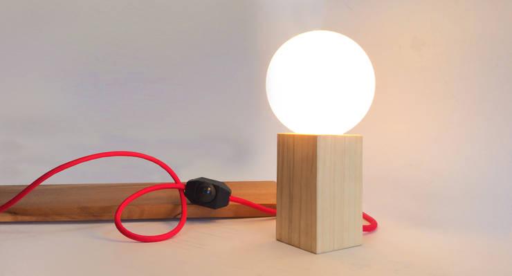 Iluminación con diseño: Dormitorios de estilo  por klic