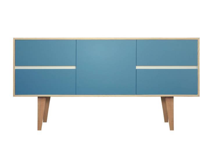 plywood V1: Hogar de estilo  por Hebrastudio