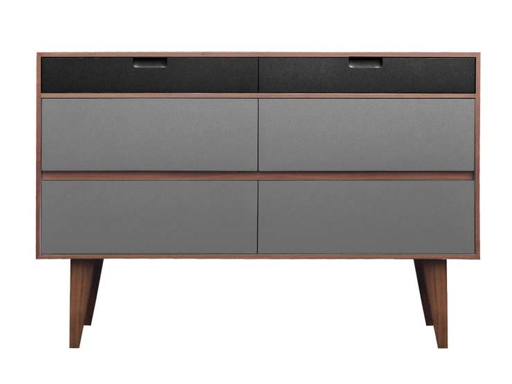Plywood v3: Hogar de estilo  por Hebrastudio