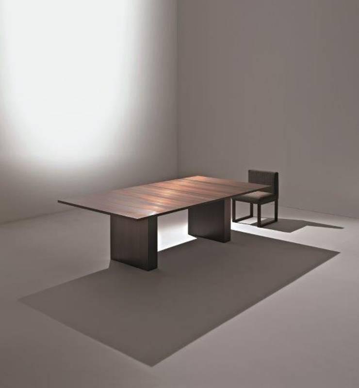 LAURAMERONI - Tavolo rettangolare ST 51 M :  in stile  di Laura Meroni,