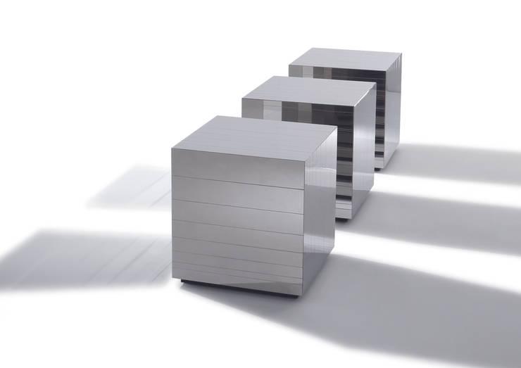 LAURAMERONI - Tavolino Cubo ST 31 M :  in stile  di Laura Meroni,