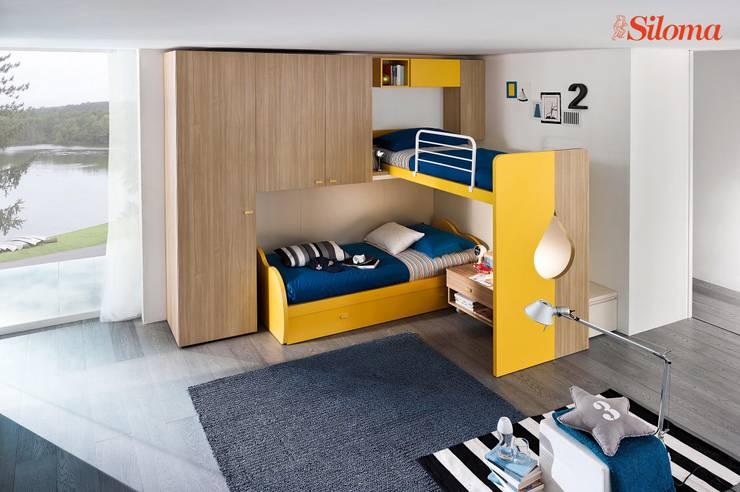 TAG camerette: Camera da letto in stile  di Siloma srl