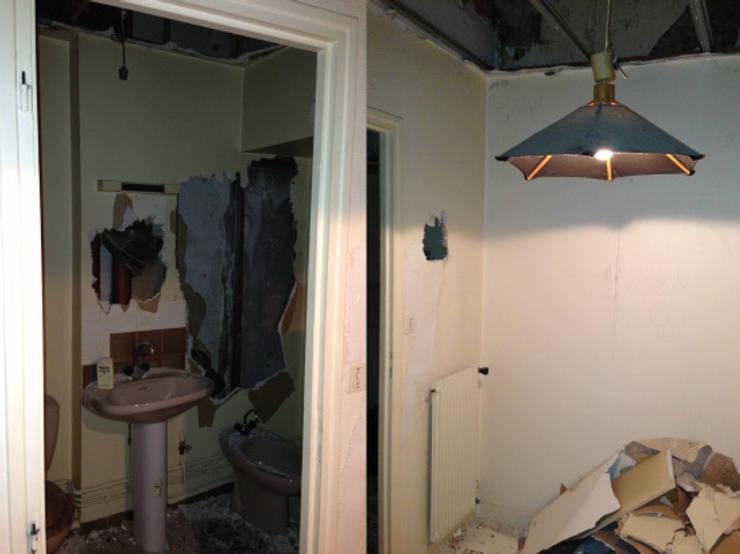 Appartement dans quartier historique de Dijon: Chambre de style  par Kreatitud Deco Design