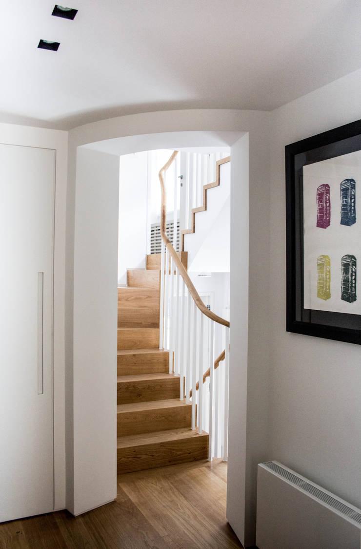 Staircase ground floor_after di V+V interni