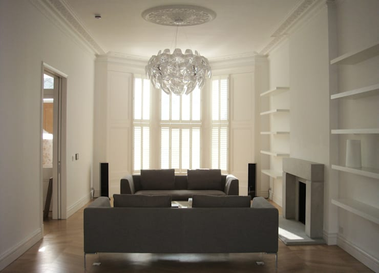 House in Kensington:  in stile  di V+V interni