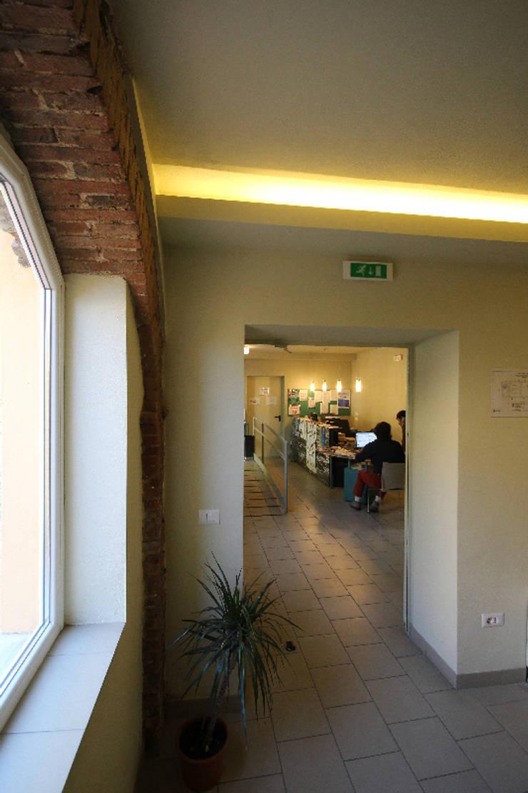 zona di ingresso:  in stile  di daniele galliani,
